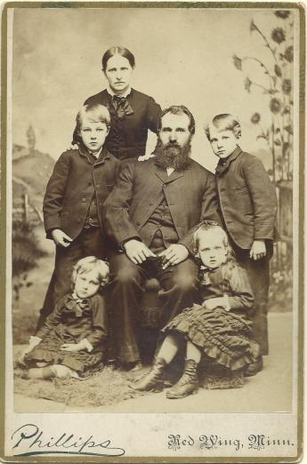 Gustava, Lawrence, Peter, Sigfred, Ida, and Hanna Tilderquist in 1884